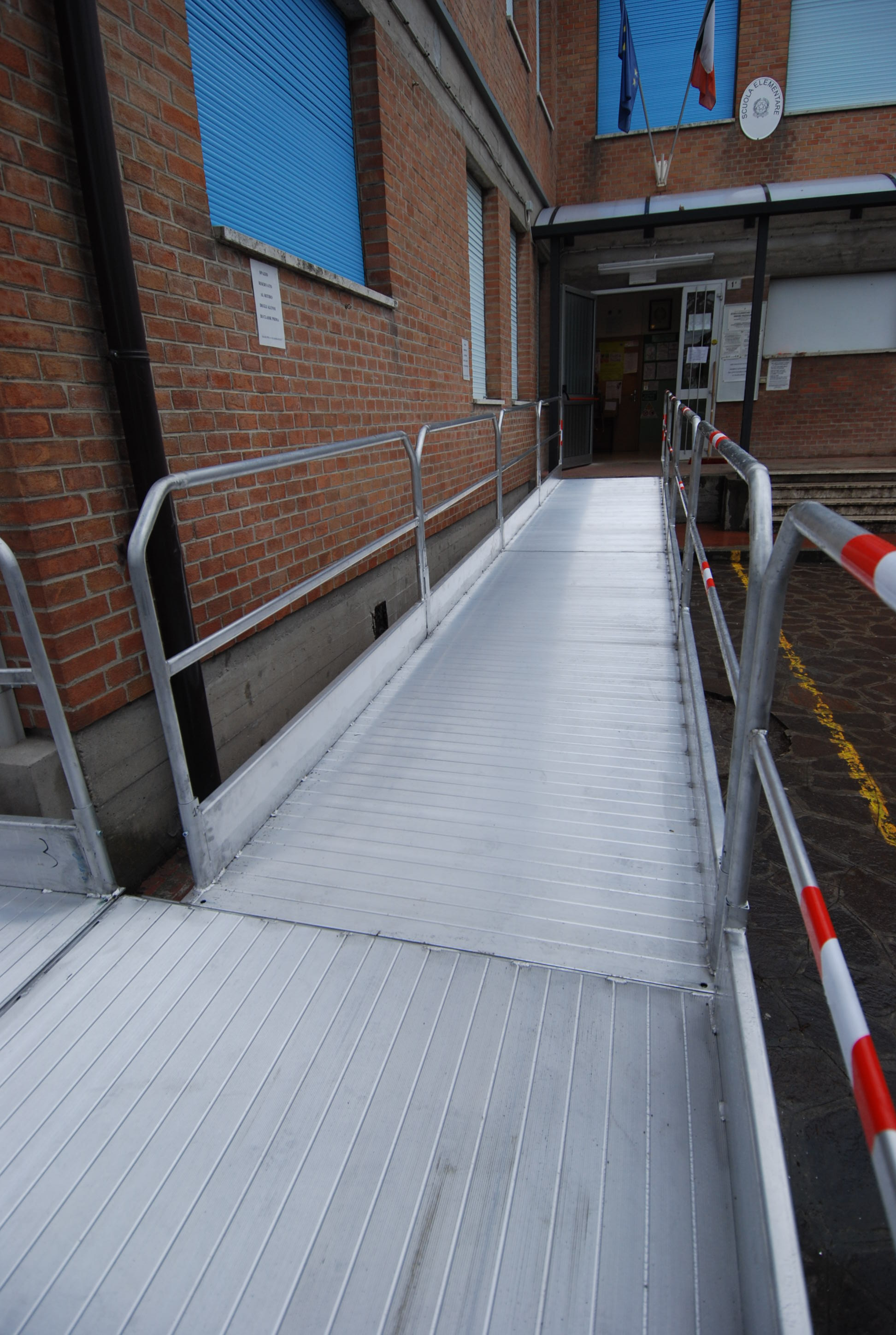 Architectural Barriers Aluminium Loading Systems